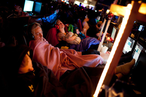 dreamhack-sleeping-geeks.jpg