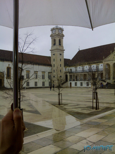 Dia de chuva na Universidade de Coimbra [en] Rainy day in University of Coimbra