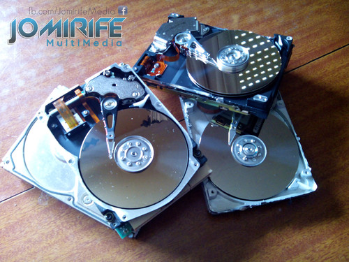 Desmontar discos rígidos para destruir [en] Disassemble hard drives to destroy