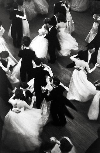 waltz cartier bresson.jpg
