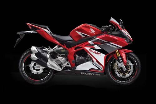 2017-Honda-CBR250RR-leak-04.jpg