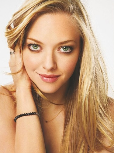 Amanda-seyfried-hairstyles3.jpg