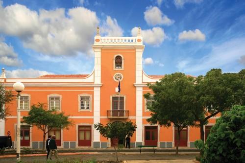 Câmara Municipal da Praia.jpg