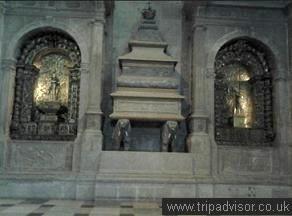 Túmulo de Sebastião.jpg