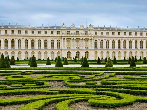 versailles-palace-and-garden_28028_600x450.jpg