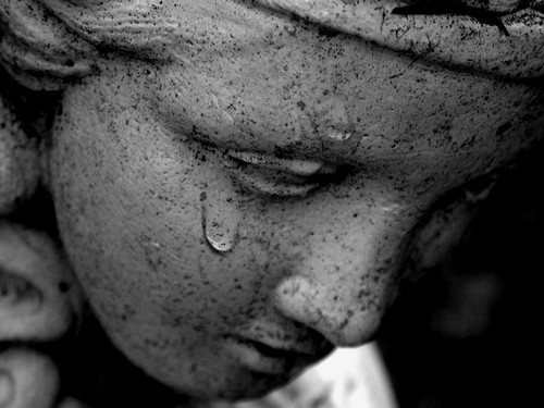 Resultado de imagem para Uma lágrima