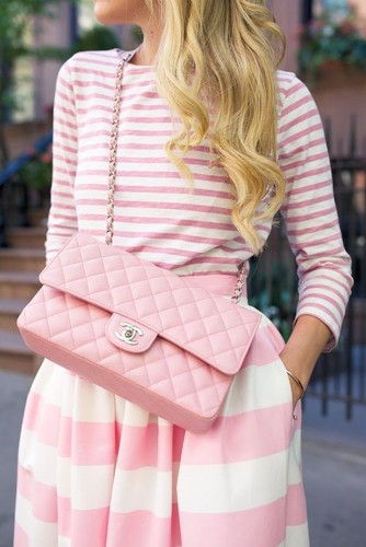 chic-ways-to-rock-rose-quartz-in-your-outfits-3.jp