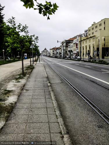 Avenida Emídio Navarro em Coimbra. Emidio Navarro Avenue in Coimbra Portugal