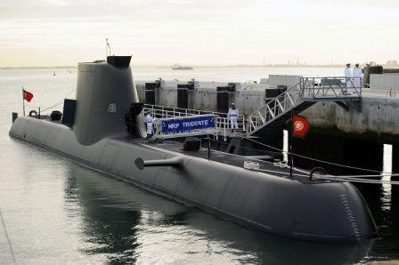 1280px-Chegada_do_submarino_NRP_Tridente_à_Base_N