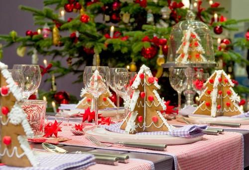 adorable_12_christmas_table_decorations.jpg