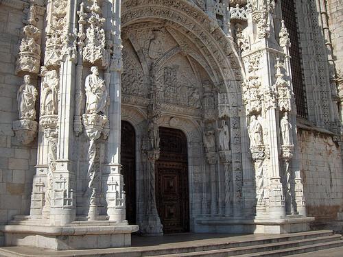 portico sul mosteiro jeronimos.jpg