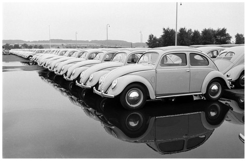 volkswagen-photo-by-walter-sanders-for-life-1951.j