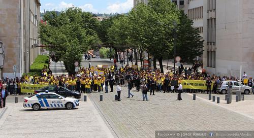 Manifestação em Coimbra pelos pais e professores em defesa das escolas privadas e públicas