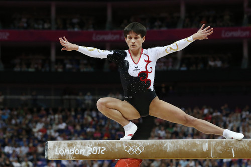 Oksana Chusovitina nos Jogos de Londres/AFP