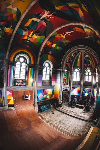 kaos-temple-okuda-san-miguel-la-iglesia-skate-chur