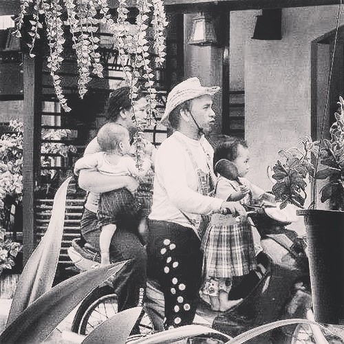 família_tailandesa.jpg