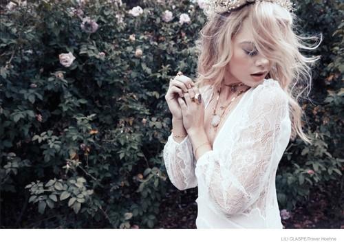 Lili-Claspe-Jewelry-Spring-2015-01.jpg