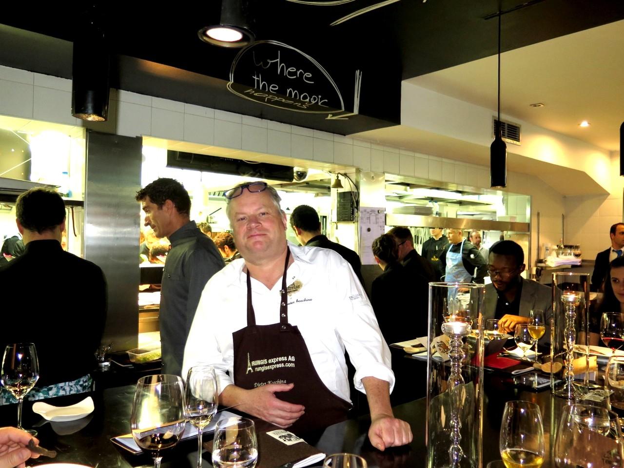 Dieter Koschina na Mesa do Chef... na cozinha do VILA JOYA