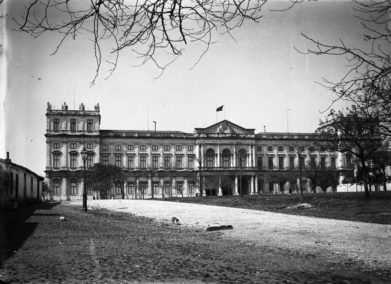 Palácio Nacional da Ajuda, fachada.jpg