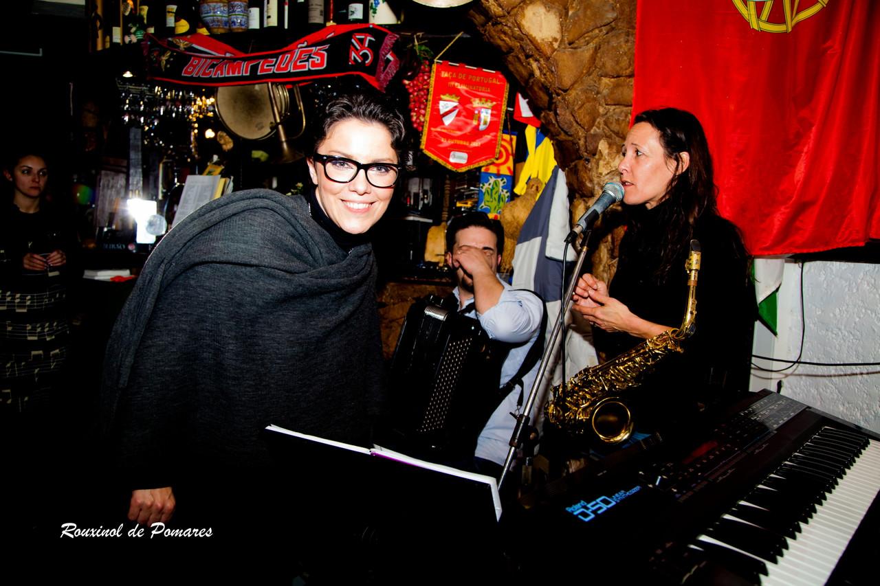 Ana Laíns na Taverna (002)