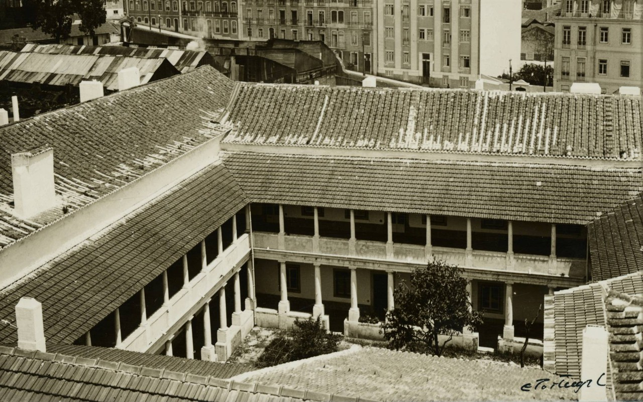 Convento das Flamengas, claustro.jpg