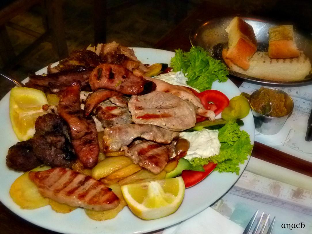 Atenas-restaurante Efharis (39) cópia assin.jpg