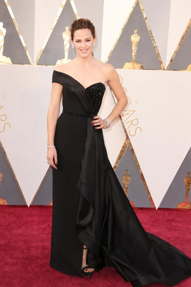 Jennifer Garner em Versace.jpg