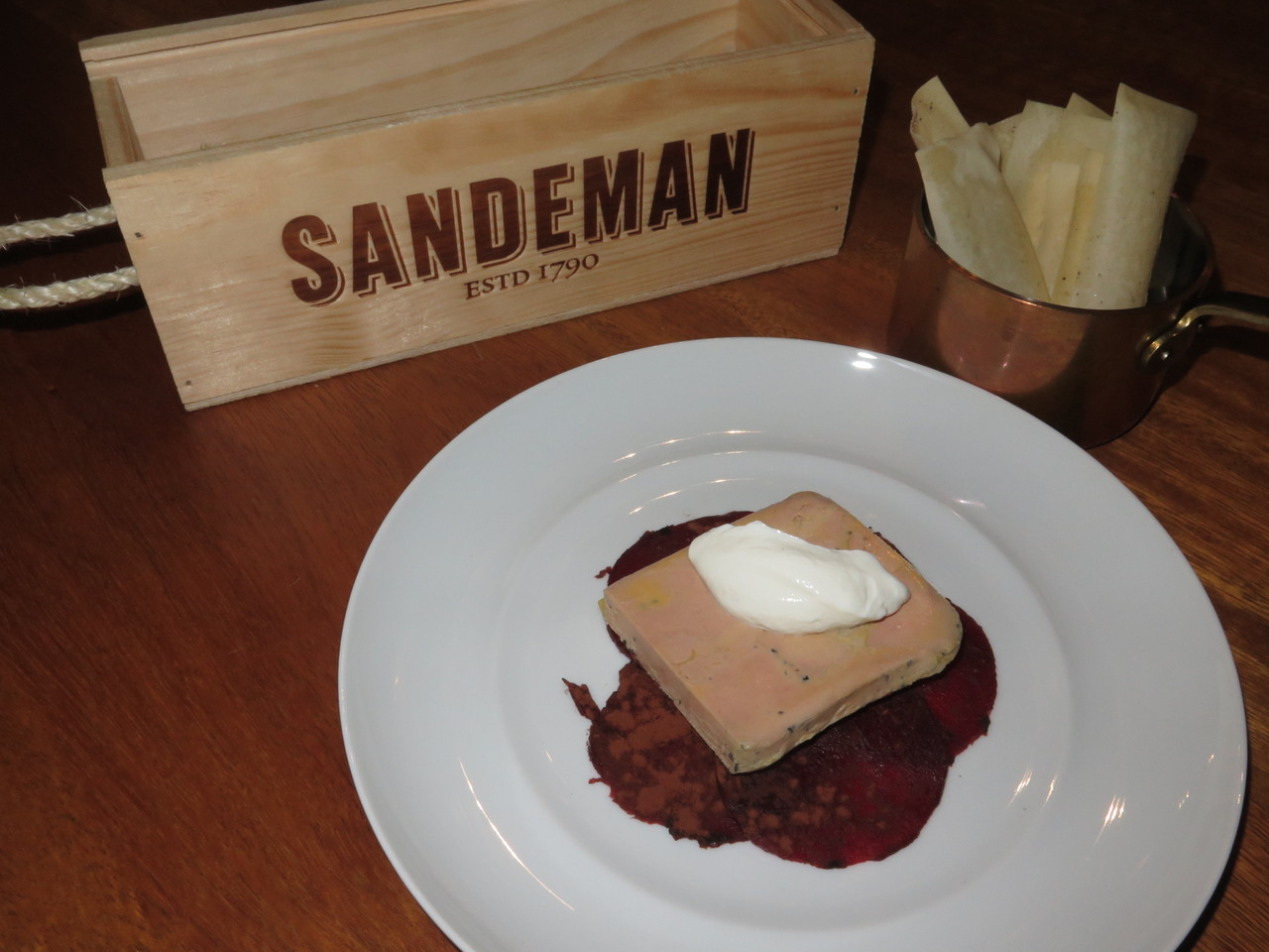 Foie gras, cacau, iogurte e beterraba