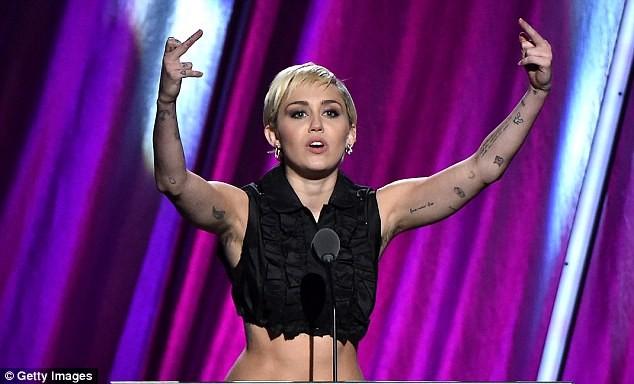 Miley Cyrus 1.jpg