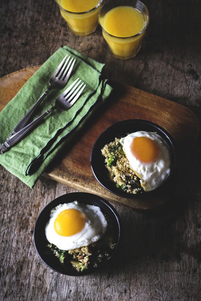 Veggie-Quinoa-Breakfast-Bowl2.jpg