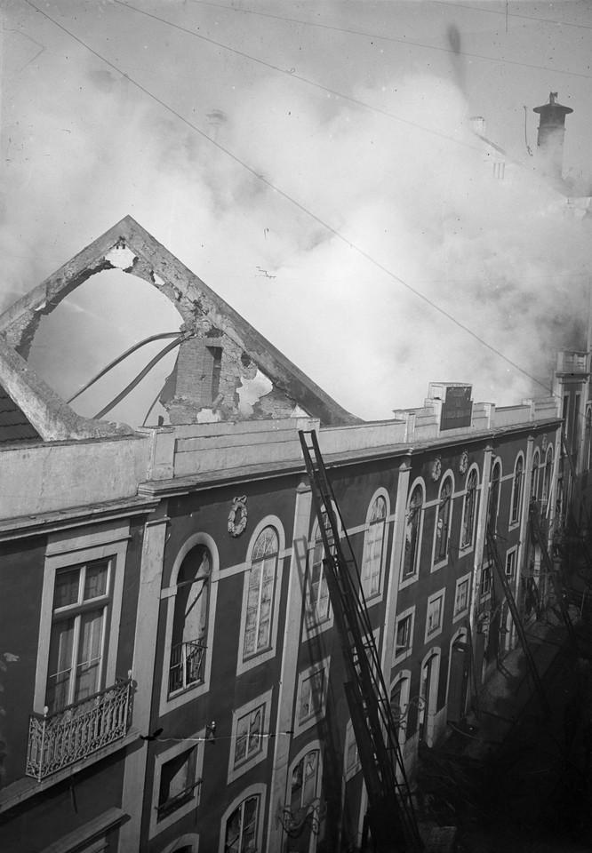 Incêndio no teatro do Ginásio, 1921, Ferreira da