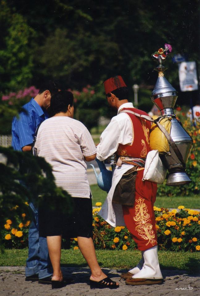 ao acaso #21 vendedor de chá Rize na Praça de Su