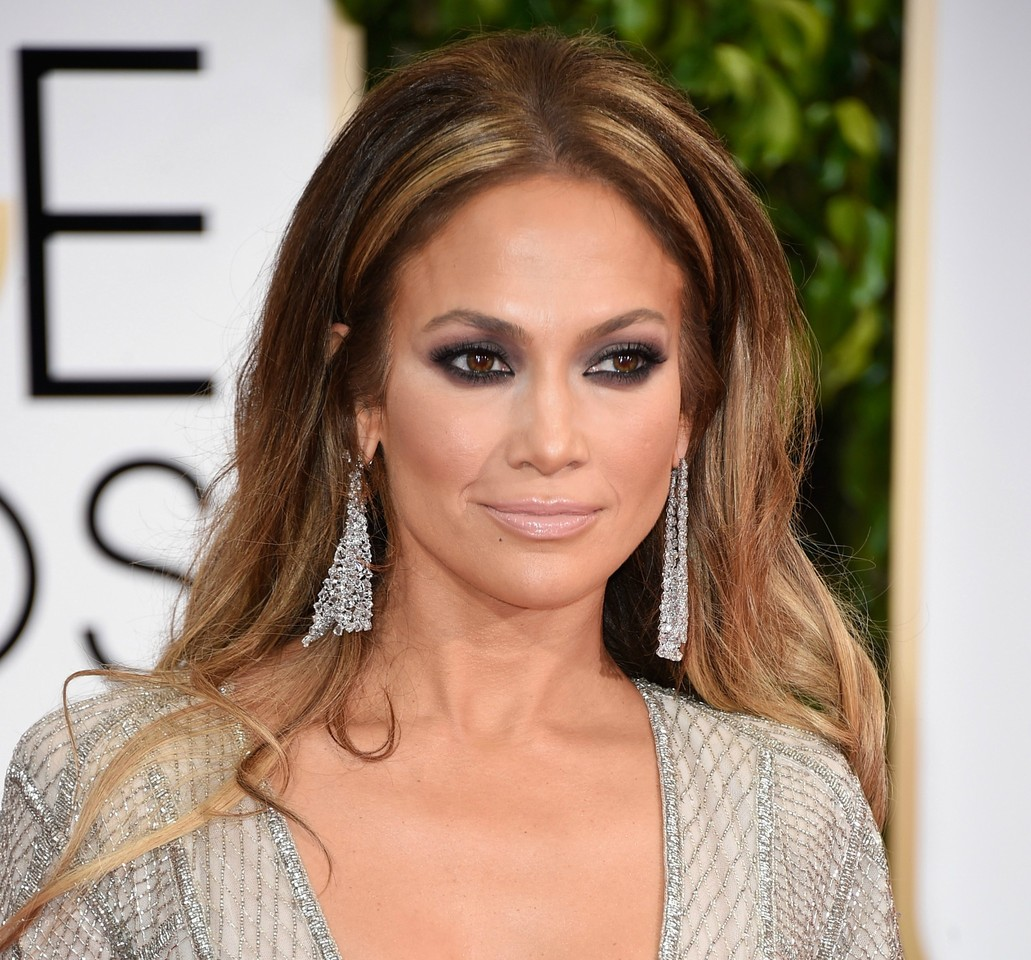 jennifer-lopez golden globe 2015.jpg