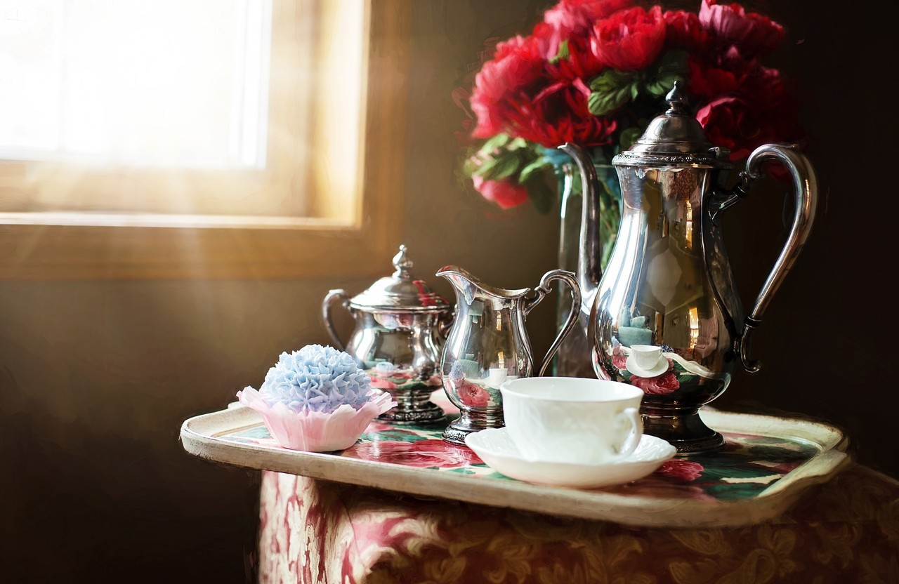 silver-tea-set-989820_1920.jpg