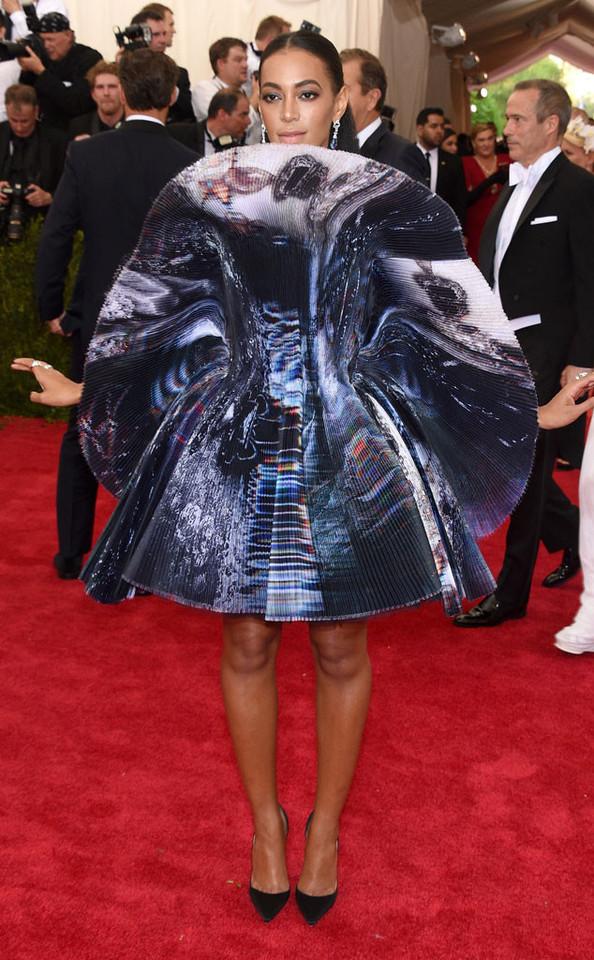 Solange Knowles no baile do MET 2015.jpg