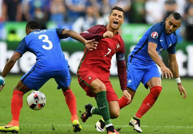 cristiano-ronaldo-payet-portugal-france-euro-final