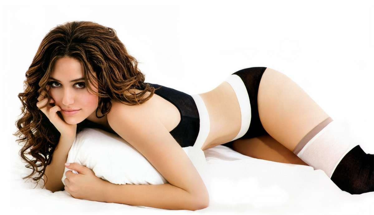 emmy-rossum-hot.jpg