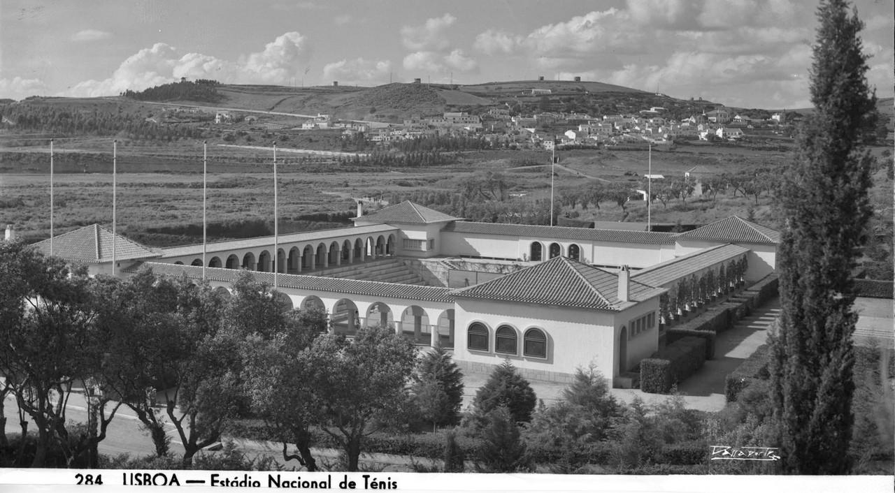 «Courts» de ténis do Estádio Nacional, Jamor (A. Passaporte, c. 1950)
