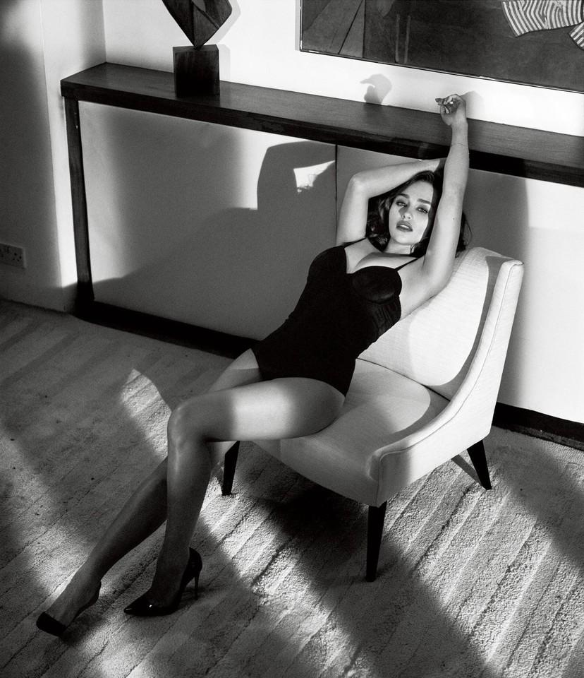 gallery-1444418793-emilia-clarke-sexiest-woman-ali