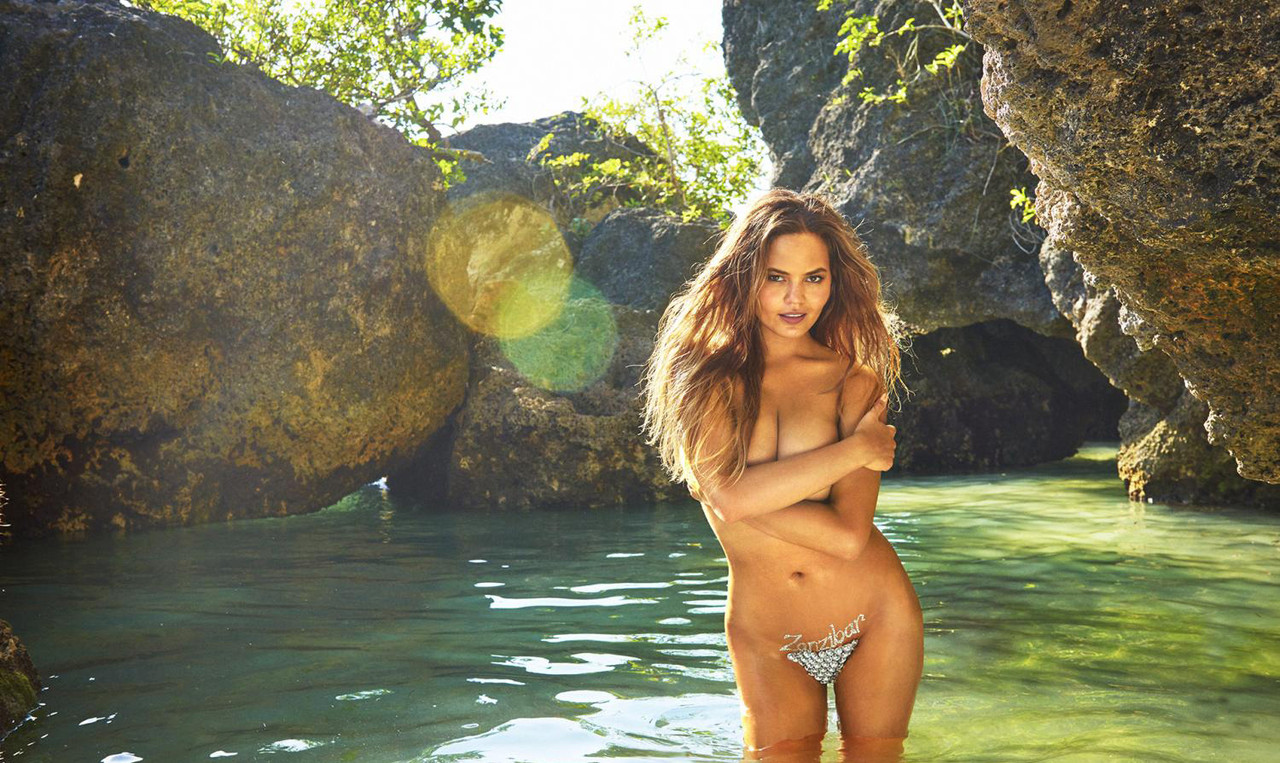 chrissy-teigen-2016-photo-sports-illustrated-x1597
