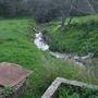 linha de água poluída