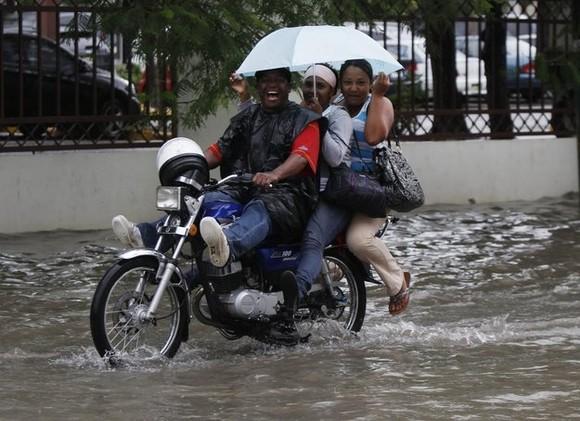 O poder do furacão Sandy_Rep Duminicana.jpg