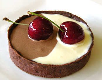 two_tone_chocolate_mousse.jpg