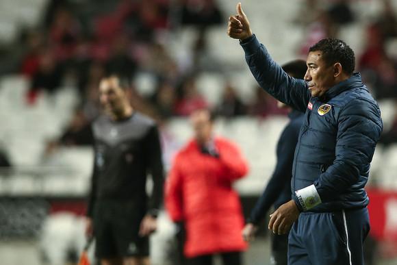 Lito Vidigal dá indicações no seu último jogo