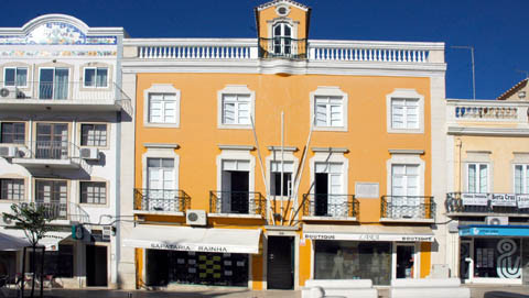 Edificio_Duarte_Pacheco.jpg