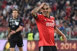 Maxi Pereira trocou Benfica pelo FC Porto