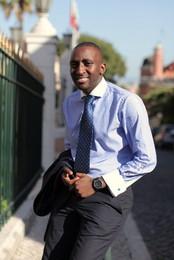 Lisandro, caboverdiano de sorriso e estilo sóbrio
