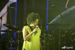 Sara T. trouxe a sua elegância para o palco