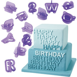 417-2589_wilton_cut-outs_alphabet-number4.jpg