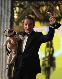 Jean Dujardin, Melhor Ator, e Uggie, Melhor Cão